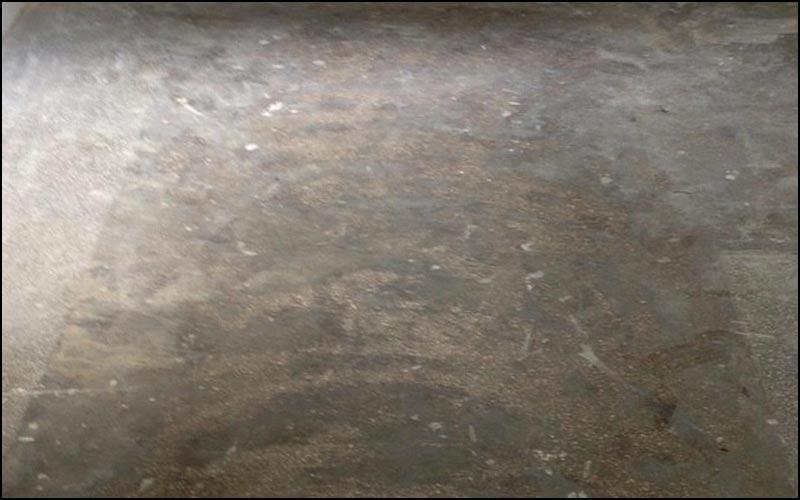Terrazzo Boden unbearbeitet